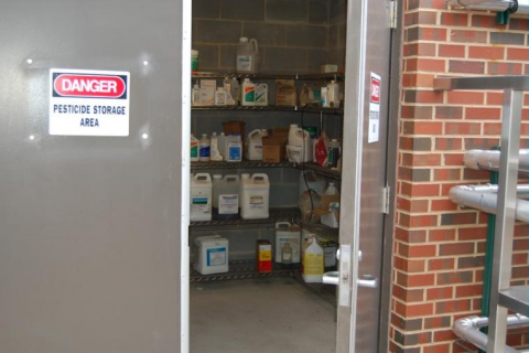 Almacenamiento y eliminación de plaguicidas (2018 REC040)