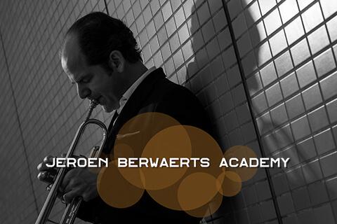 Vincent Cichowitz exercises Bb-Trumpet