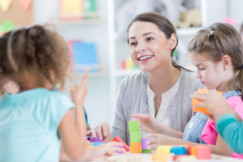 Communication and handling information in early years Home Based (com-home)