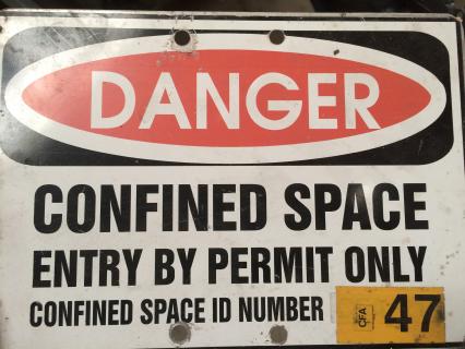 Confined Space - Spanish - Espacio Confinados