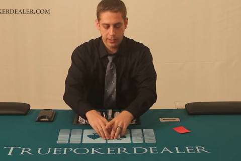 How To Deal Texas Hold 'Em (THE01)