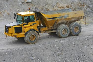 Articulated Dump Truck (John Deere Series) Video (MAIND14ADT-VOD)