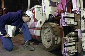 Large Capacity Forklift Inspection & Maintenance Video (MAINDSRTFLP-1A-VOD)