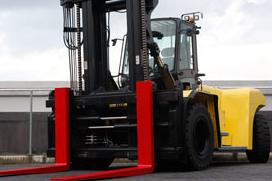 Large Capacity Forklift Operation - Lumber Yard Video (MAINDSRTFLO-1B-VOD)