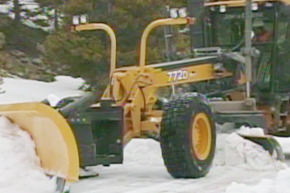 Motor Grader Snow Plowing Video - SPANISH (APWA Members) (APWAMG-snowSP-VOD)